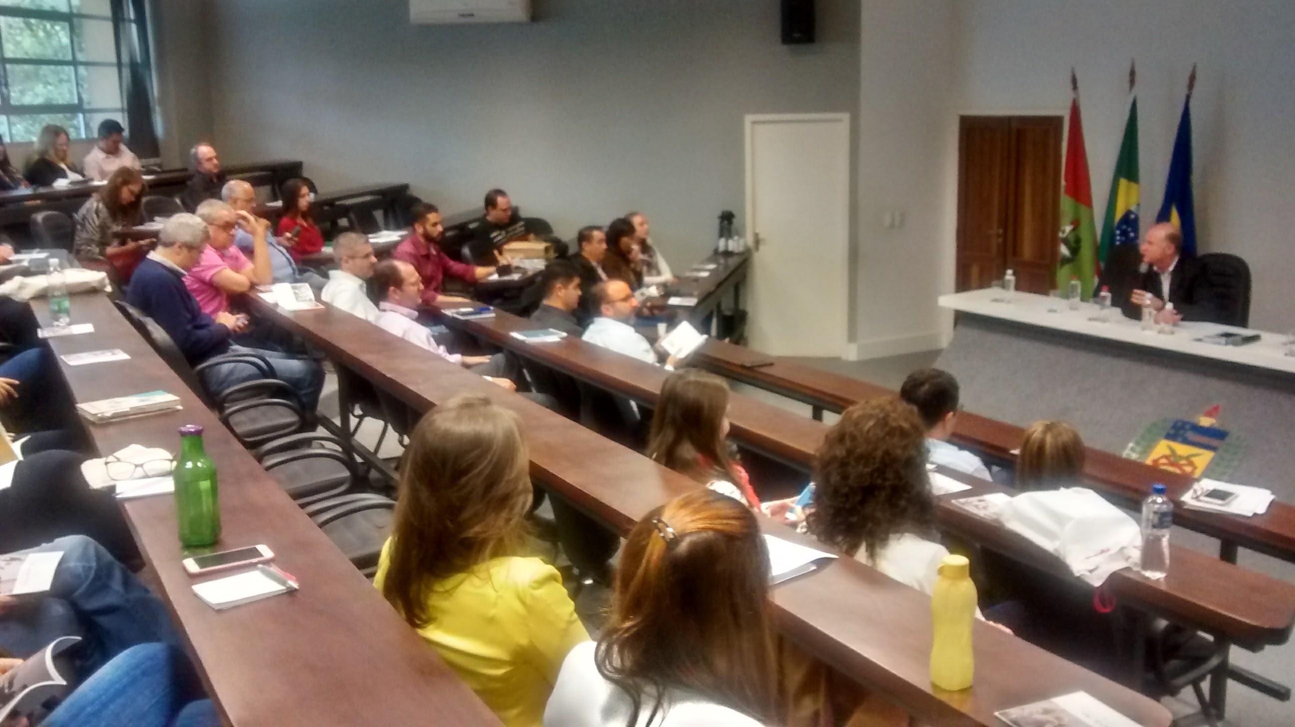 Palestra ministrada por Gildo Volpato, Reitor da Universidade do Extremo Sul Catarinense – UNESC