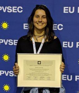 Kathlen Schneider recebe Prêmio Student Awards da edição 36ª. Foto: divulgação