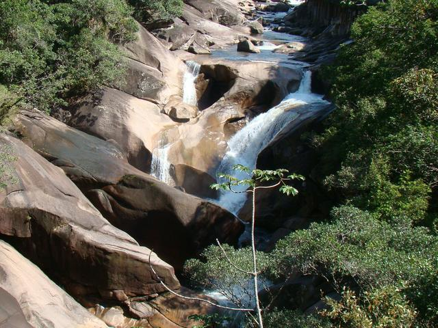 Salto do Rio dos Piloes - Fernando Maciel Buggemann 10042014