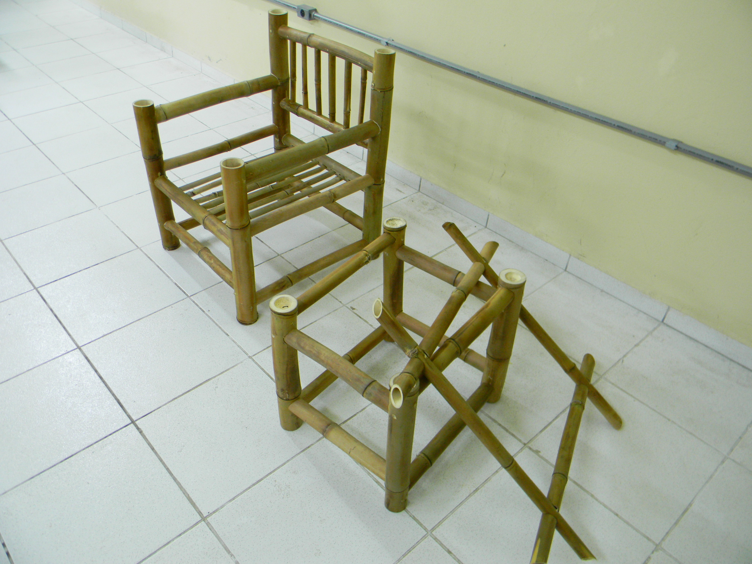 Fazenda Curso construção de móveis com bambu BambuSC 062.jpg #4A400B 2592x1944